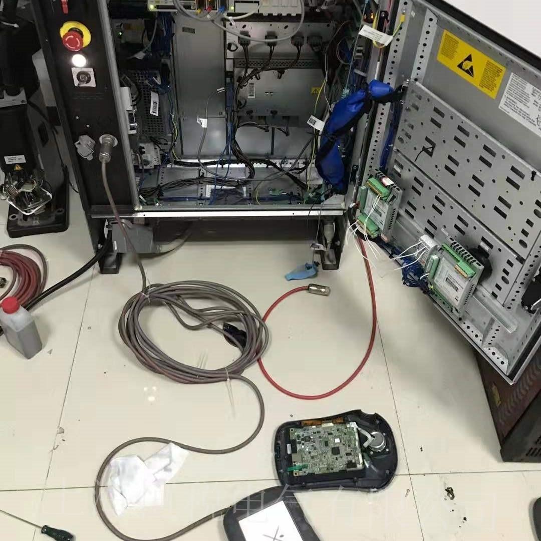 ABB机器人IRC5示教器上电显示白屏故障解决