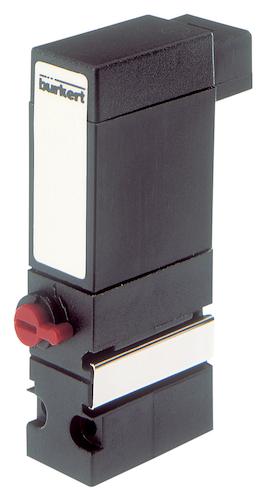 宝德 6104 是一种二位三通的摇臂电磁阀,带有聚酰胺外壳.图片