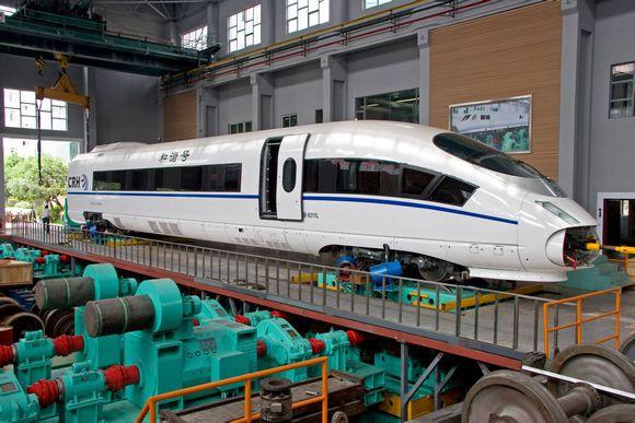 """西南交大轨道交通实验室:打造""""中国速度"""""""