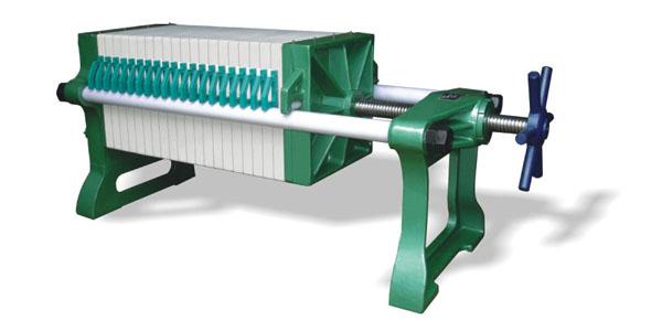 >二手板框压滤机厂家  二手板框压滤机厂家有手动压紧,机械压紧和液压图片