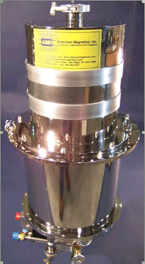 对于震动敏感的实验我们特别设计了零蒸发(zero-boil)硅胶,即卡通系统泳帽液氦